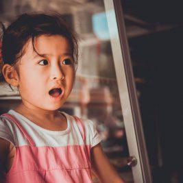 الأسئلة المحرجة و المربكة للطفل